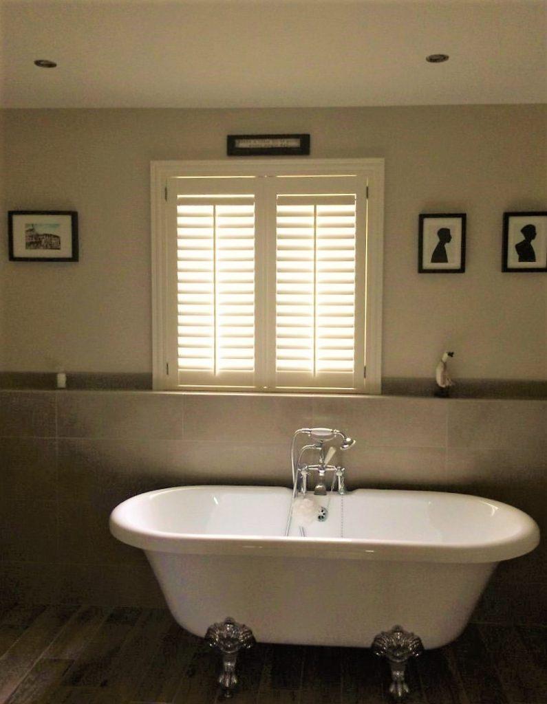 bathroom_shutters